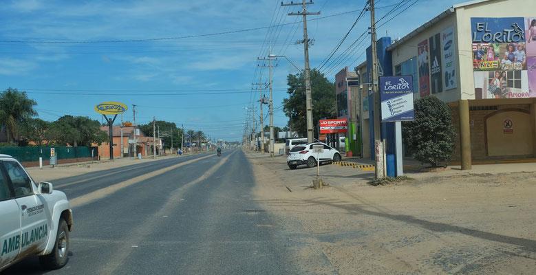 Lediglich die Hauptstrasse von Loma Plata ist asphaltiert