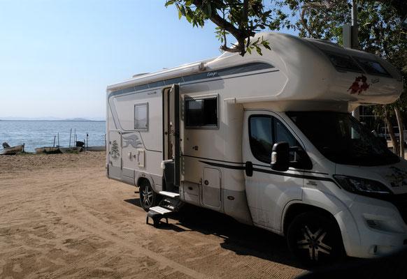 Wir stehen im kleinen Hafen an der Lagune.....