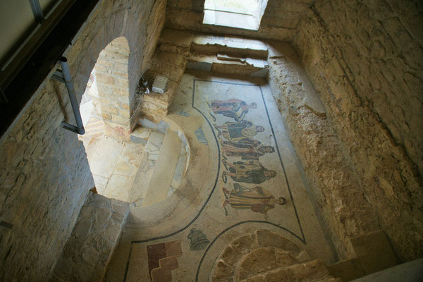 Jeder Raum mit wunderschönen Mosaiken, entsprechend dem Zweck des Raumes