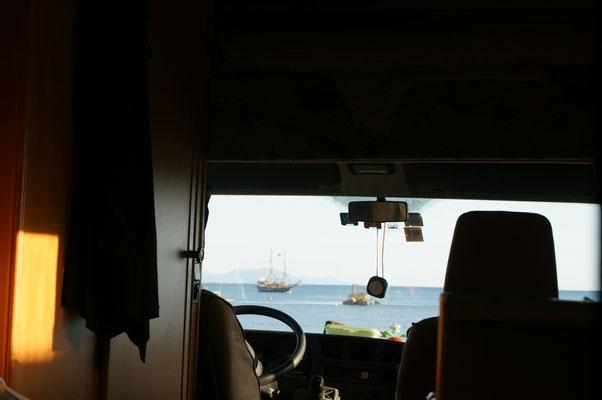 Wieder am Hafen. Blick aus dem Wohnzimmer