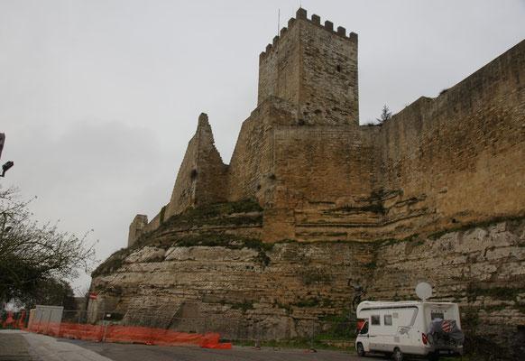 970 m beim Castello di Lombardia
