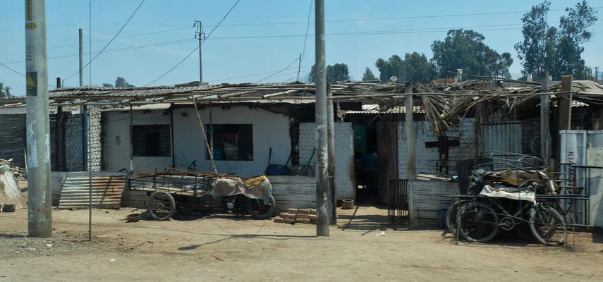 ..... vorallem wenn wir die bescheidenen Behausungen sehen, aus denen die Kinder kommen