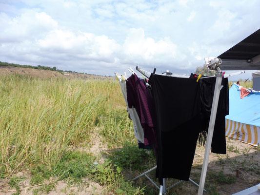Wäsche waschen in Kurortne/ Ukraine