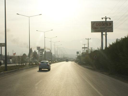 Denizli, die Sicht ist weg. Viel Industrie vernebelt den Himmel