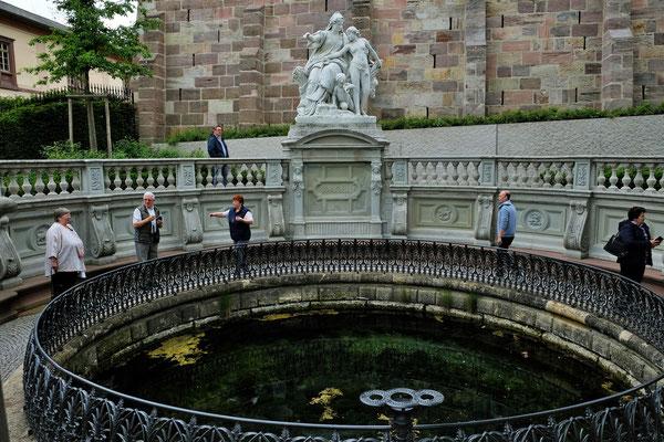 Die Donauquelle, wird von sehr vielen Besuchern bewundert