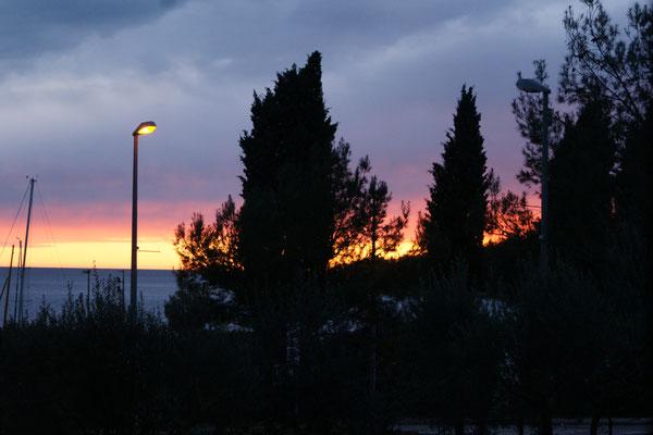 Die Sonne sagt noch gute Nacht