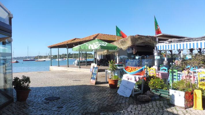 Fischrestaurant am Fluss