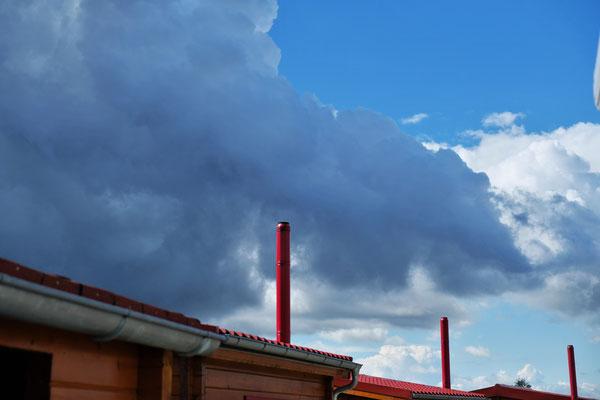 Am Dienstag gibt es spannende Himmelbilder auf dem Camping Orsingen