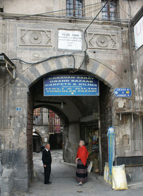 Eingang zur Karawanserei