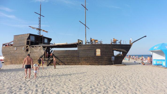 Das Piratenschiff ist auch ein Restaurant