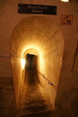 Hier geht es runter zu den Bunkern des zweiten Weltkrieges