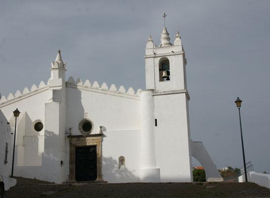 Die Kirche unterhalb der Festung