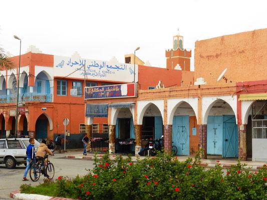 Guelmim mit seinen bunten Häusern