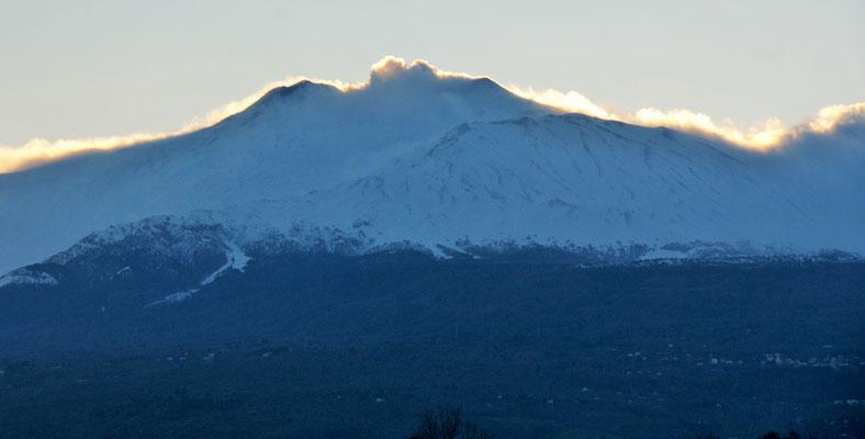 Am Abend zeigt sich endlich mal der verschneite Aetna