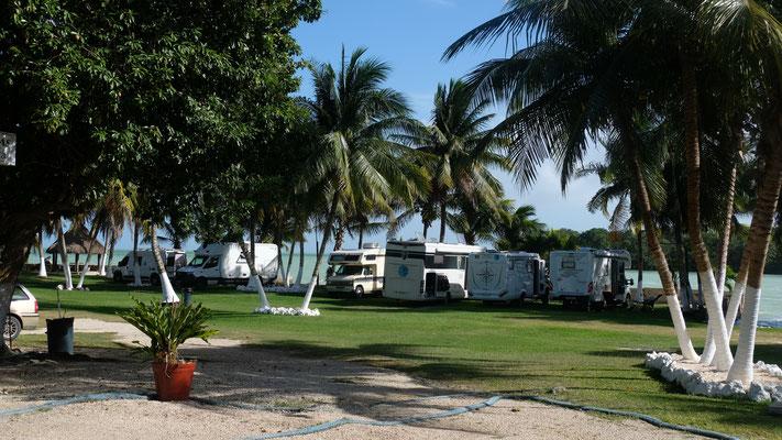 Doch noch einen Campingplatz gefunden und die Sea Bridge Gruppe ist alsbald auch vor Ort