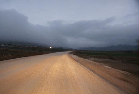 30 km vor Elmali. Es wird bald dunkel und die Strasse ist nicht gerade hervorragend
