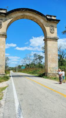 Wir fahren hinein in den Bundesstaat Yukatan.