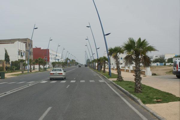Einfahrt in den mondänen Ort Oualidia