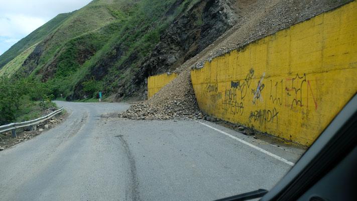 Die Mauern können die Erdrutsche nicht aufhalten