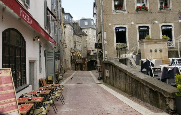 Saubere Wege und Beizen in Pau