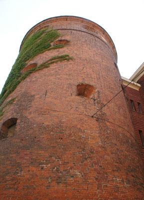 Der Pulverturm beherbergt das Kriegsmuseum
