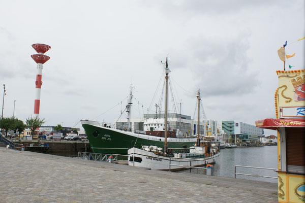 Alter Fischerhafen, Schaufenster
