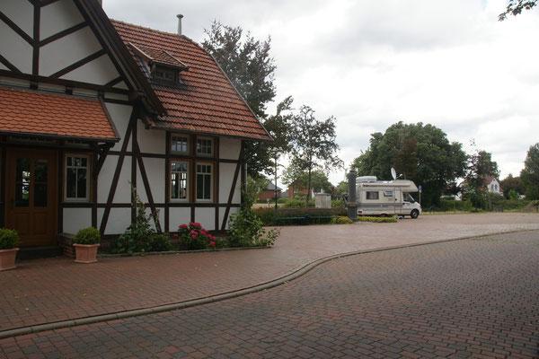 Beim Hochzeitsbahnhof in Diepenau