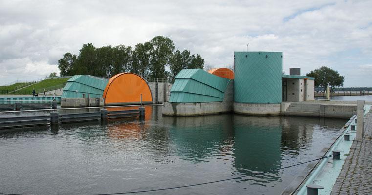 Sturmflutschutzwall