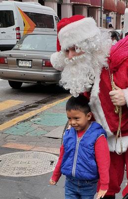 Der Weihnachtsmann ist sehr präsent