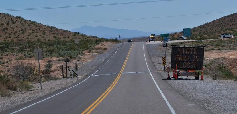 ...und sehen sogleich, dass das Valley of Fire ein Indianerreservat geschlossen ist.