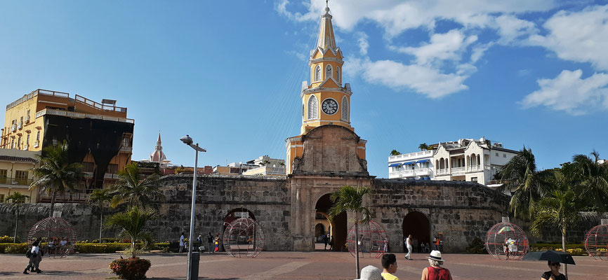 Einer der Eingänge ins historische Zentrum von Cartagena