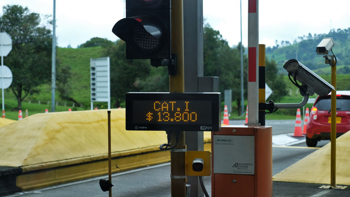 Eine der zahllosen Mautstellen, diesmal sind sogar 3.66 Euro fällig