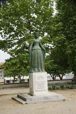 Die Königin Leonora. Mein Jahrgang einfach 500 Jahre früher.