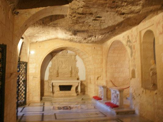 In dieser Grotte soll der Apostel Paulus für drei Monate gelebt haben