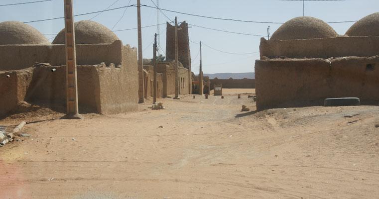 Das Ende der Teerstrasse in Taouz