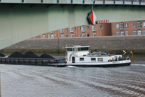 Kohle auf der Weser