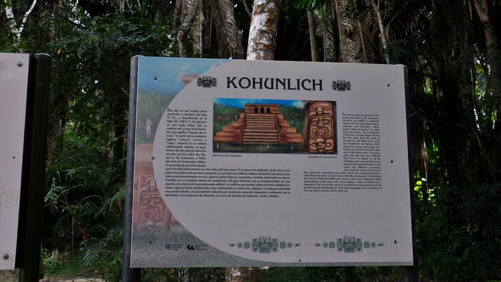 Die schön ausgeschilderte Mayaanlage