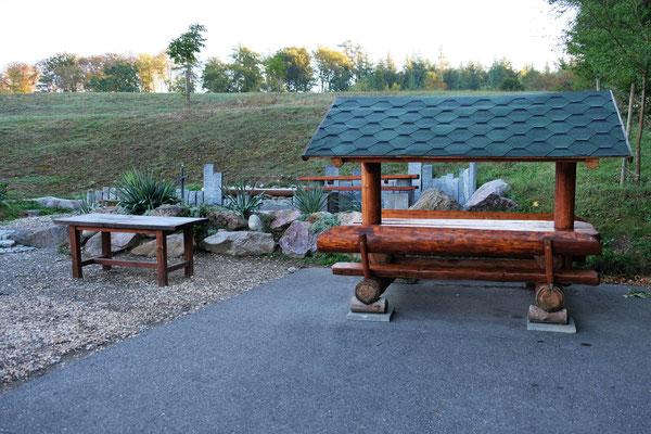Der Grillplatz auf dem Camping in Osingen nun ruhig.