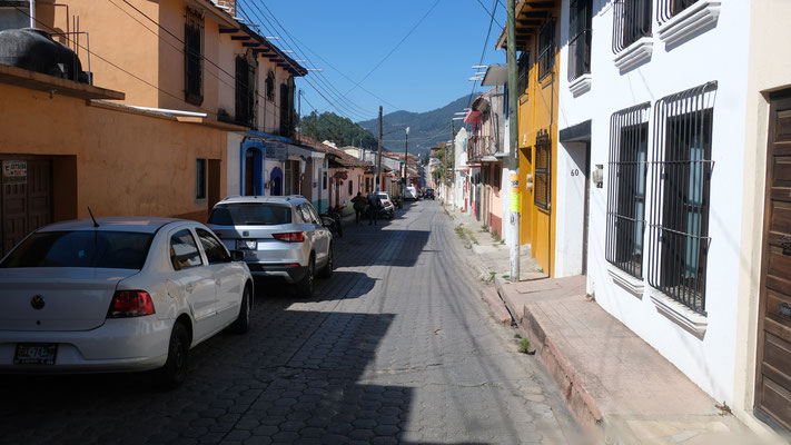 Im Zentrum von San Cristobal ist es doch ein bisschen eng.