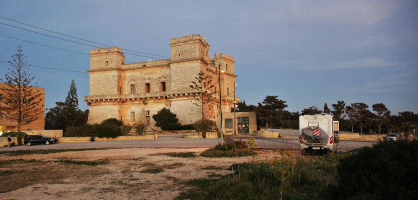 Unser Stellplatz beim Selum Palace