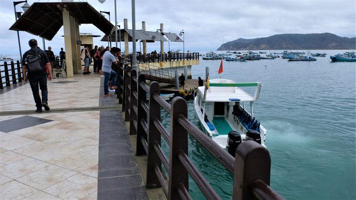 Eine Gruppe nach der anderen verlässt Puerto Lopez