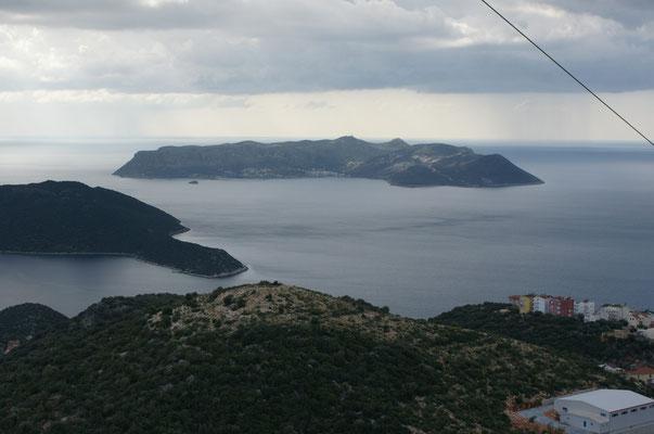Blick auf die griechische Insel vor der Küste