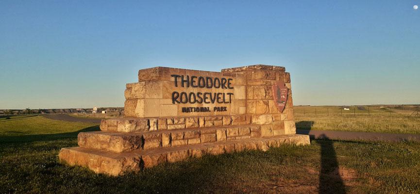 Wir stehn über Nacht beim Visitor Center des Theodor Roosevelt Nationalpark....
