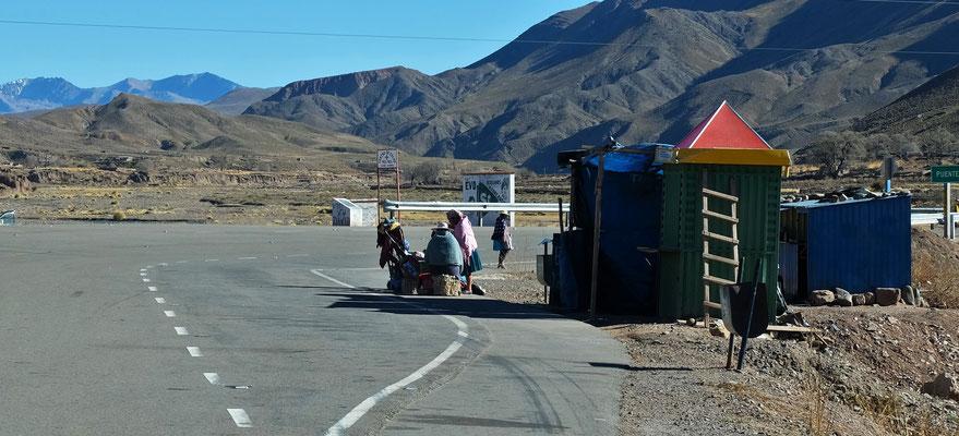 Sie warten auf den Bus