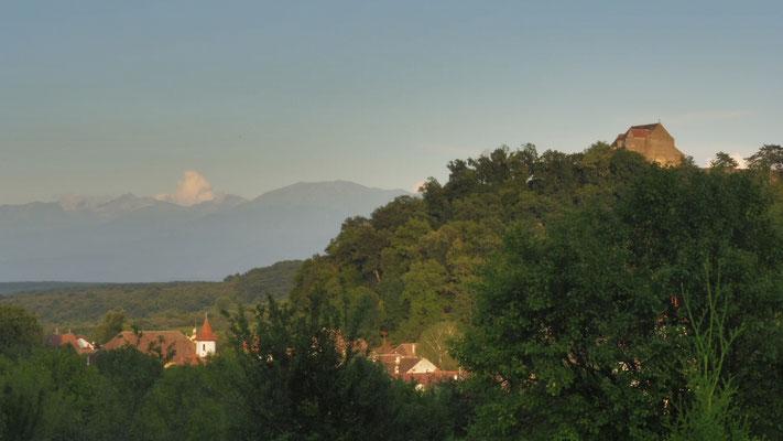 Blick auf Michelsberg mit Burg