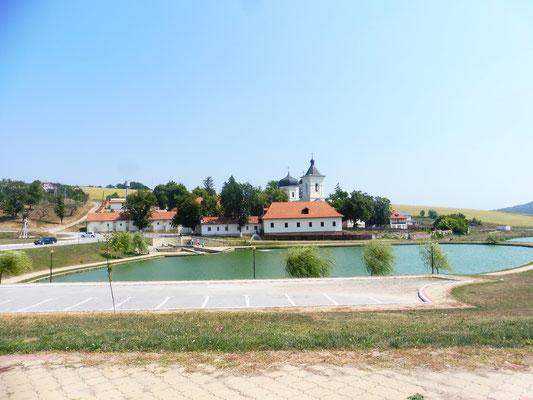 Das Kloster Capriana in Moldawien liegt an einem schönen Teich