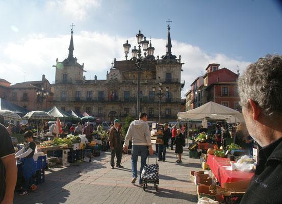 Plaza major. Heute ist Markt