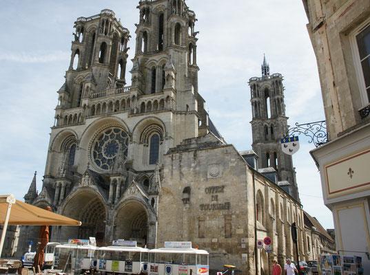 Die Kathedrale von aussen....