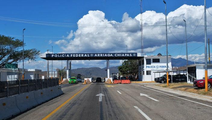 Beim Verlassen von Chiapas Polizeikontrollen und...