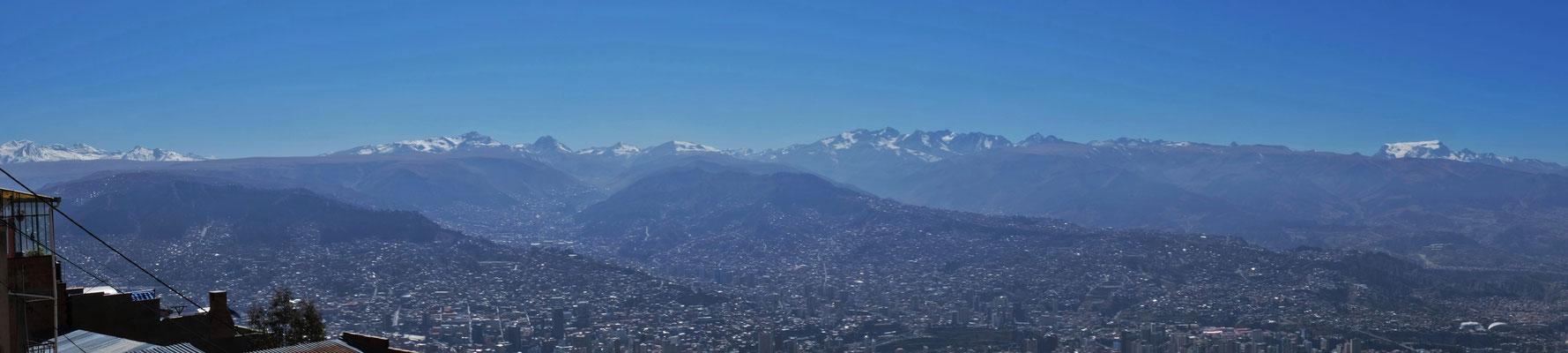 Das Panorama von ganz oben auf dem El Alto